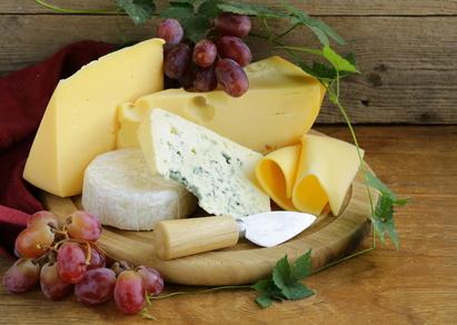 Käseplatten anrichten geht einfach, man benötigt nur die richtigen Käsesorten