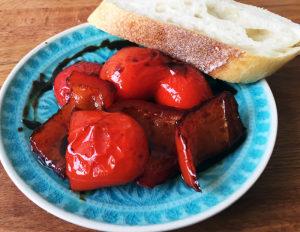 Selbst marinierte Paprika eingelegte Paprika